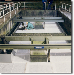 Installation of Clarifier into Pyramidal Tanks
